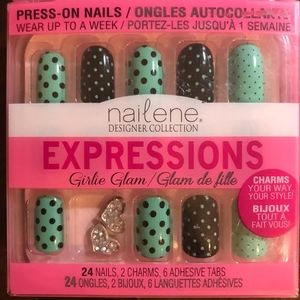 24 press-on nails with charms